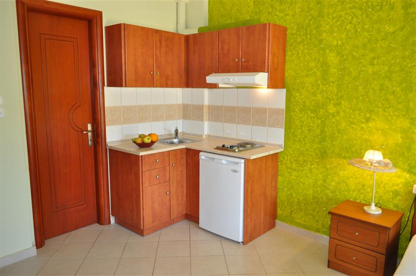 Elena studios апартаменты о тасос лименарья