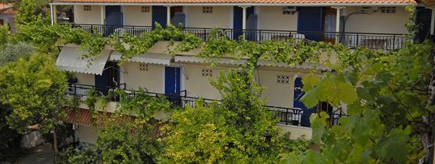 Green Velvet Pefkari Hotel