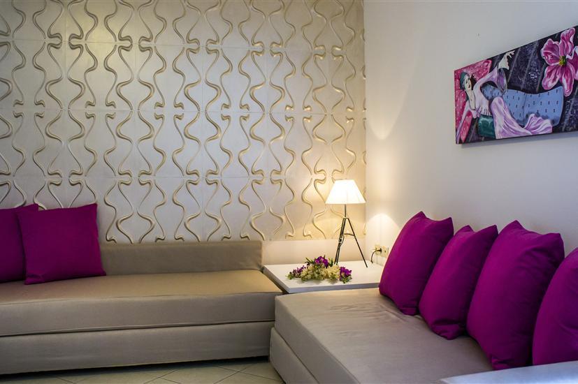 Maryan Apartments